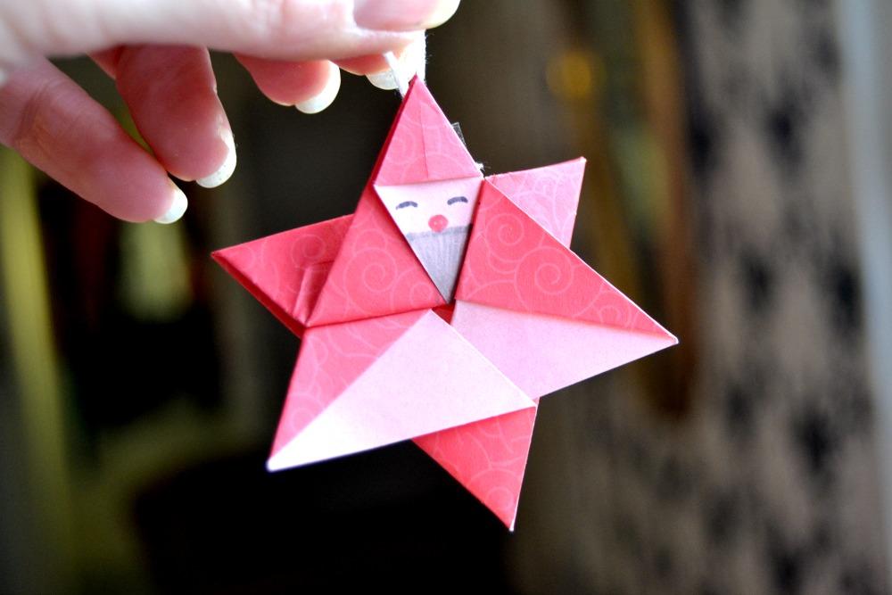 Sur le sapin l 39 toile p re no l en origami maman tout faire - Sapin en origami ...