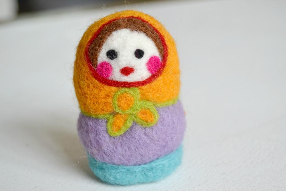 poupée russe en laine feutrée