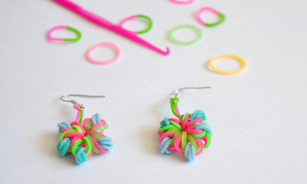boucles d'oreilles fleurs rainbow loom