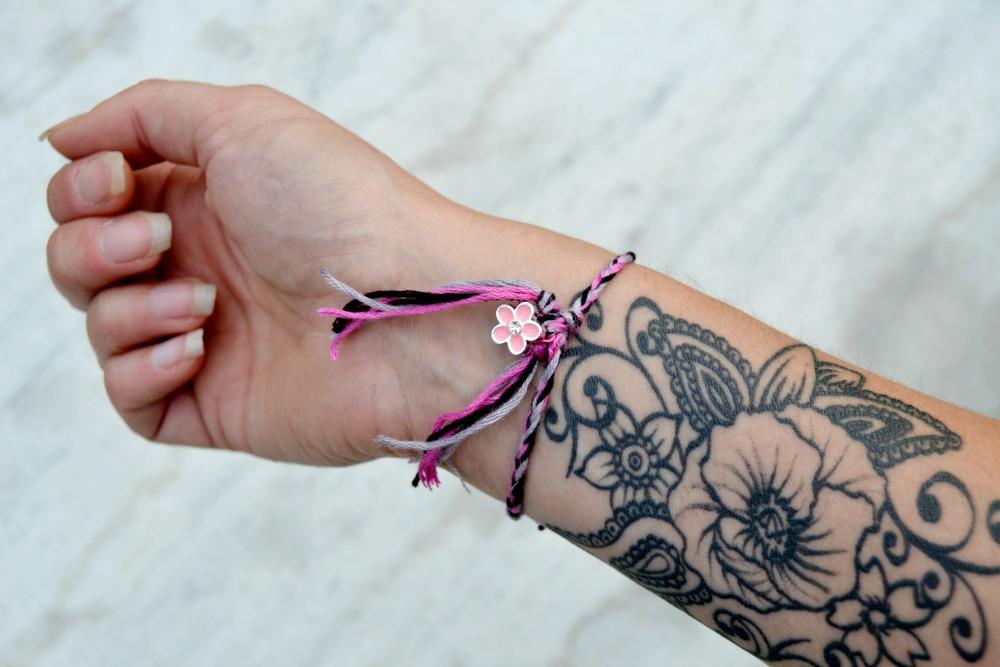 bracelet - tatouage bras