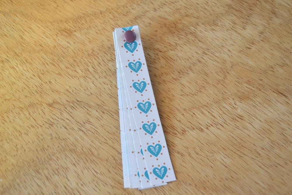 Les boules de no l en papier maman tout faire - Fabriquer des boules de noel en papier ...