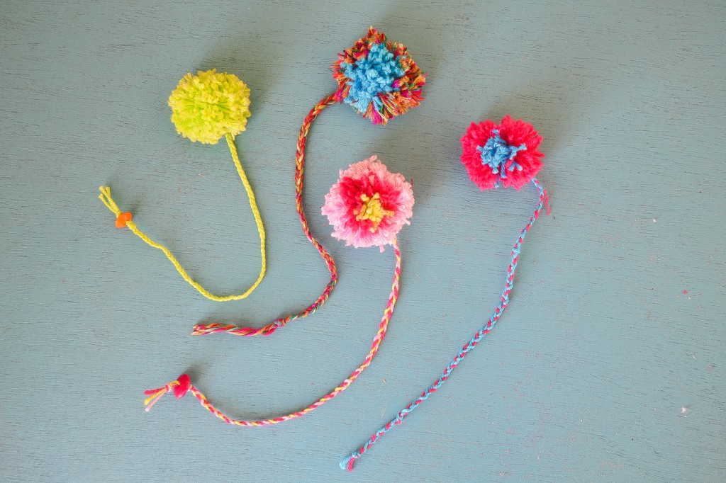 pompoms bookmarks