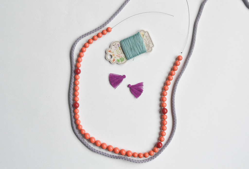 collier de perles rouges