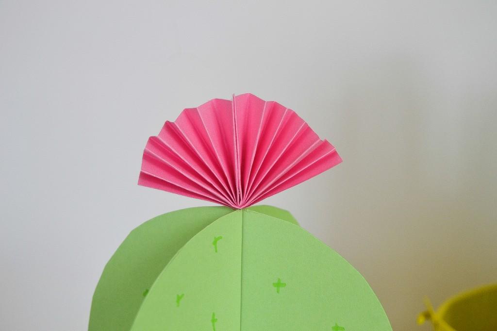 fleur de cactus en papier
