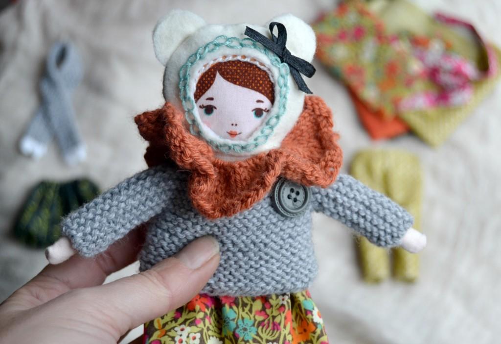 poupée en tissu tricot