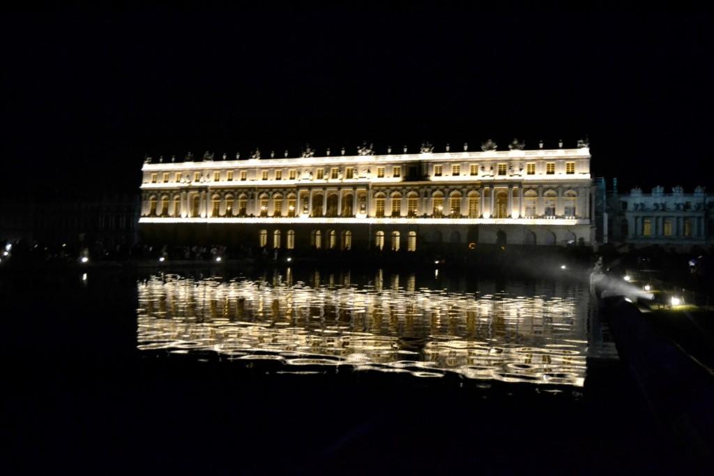 chateau versailles de nuit