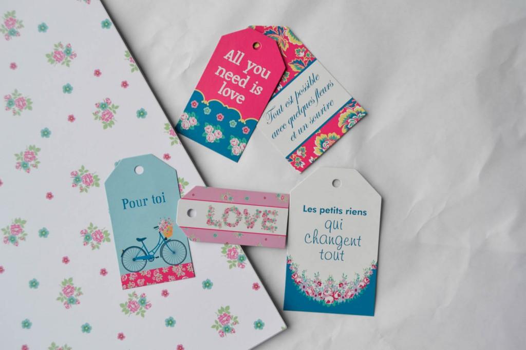 étiquettes et papier fête des mères