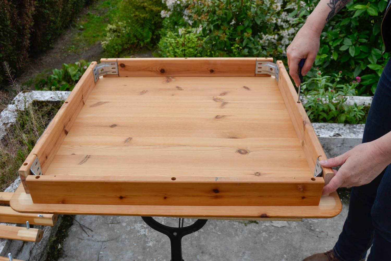 transformer une table en porte plantes maman tout faire. Black Bedroom Furniture Sets. Home Design Ideas