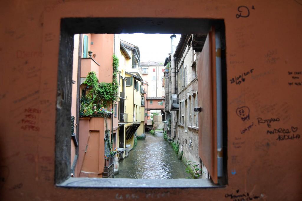 7 secrets de Bologne fenêtre secrète