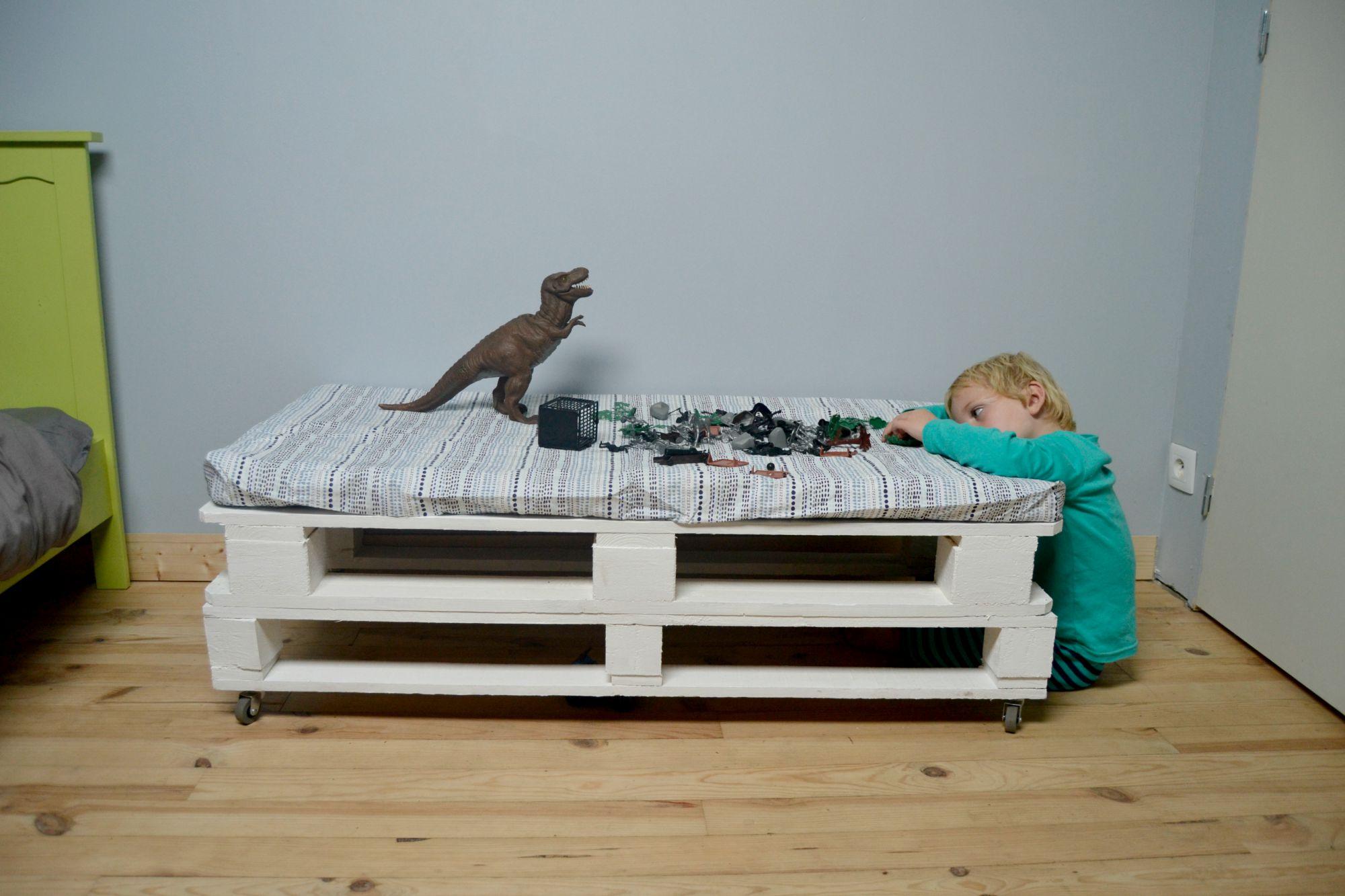 Faire Un Banc En Palette chambre enfant : banc en palettes récup' - maman à tout faire