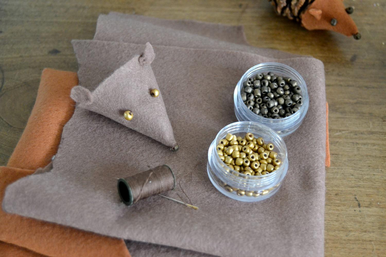 activit pommes de pin h risson maman tout faire. Black Bedroom Furniture Sets. Home Design Ideas